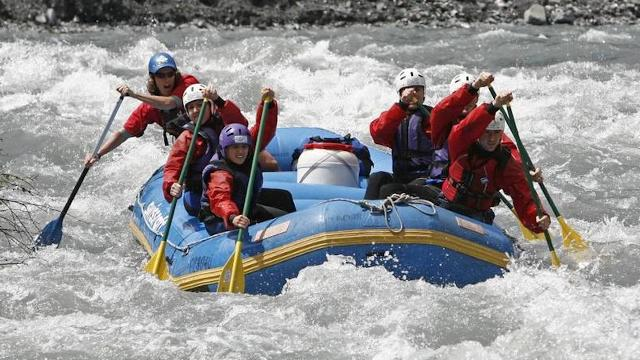 Unique rafting tour in the Vorderrhein