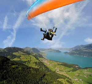 Unforgettable great moments: Paragliding panorama Tandem flight over Lake Lucerne