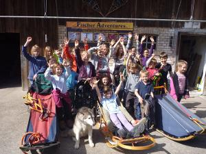 Unforgettable great moments: Educational visit to Husky Camp with almost 30 sled dogs