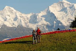 Unforgettable great moments: Einmaliger Paragliding Tandemflug am Beatenberg in Interlaken