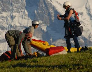 Unvergessliche großartige Momente: Einmaliger Paragliding Tandemflug am Beatenberg in Interlaken