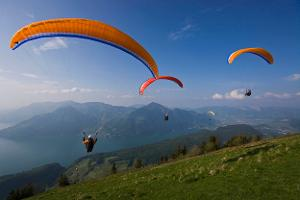 Unforgettable great moments: Unforgettable paragliding thermal tandem flight over Lake Lucerne