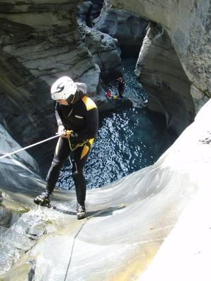 Unforgettable great moments: Canyoning tour Boggera in sunny Ticino