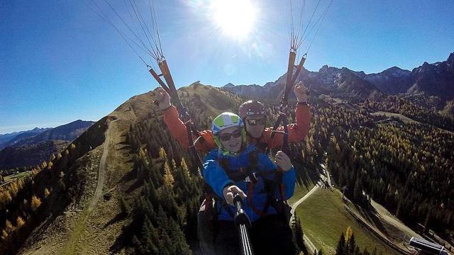 Fantastische Wanderung und Paragliding Tandemflug am...