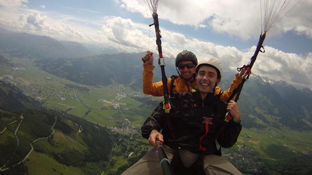 Fantastischer Paragliding Tandemflug am Berg Planai ...