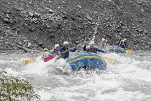 Unforgettable great moments: Unique rafting tour in the Vorderrhein