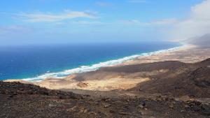 Unvergessliche großartige Momente: Abenteuerliches Surf Erlebnis auf Fuerteventura Intermediate-Kurs