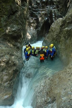 Unvergessliche großartige Momente: Canyoning Erlebnis mitten in Interlaken für Einsteiger