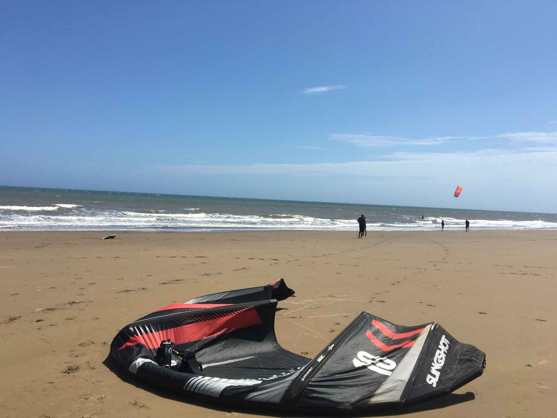 Playa El Arenal, Pedasi: A fantastic wide beach (at low tide) with great waves offers a perfect spot for kitesurfing.