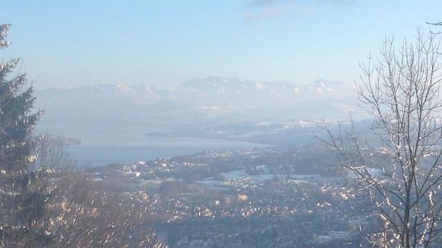 Der Uetliberg mit einem unvergesslichen Blick auf den Zürichsee